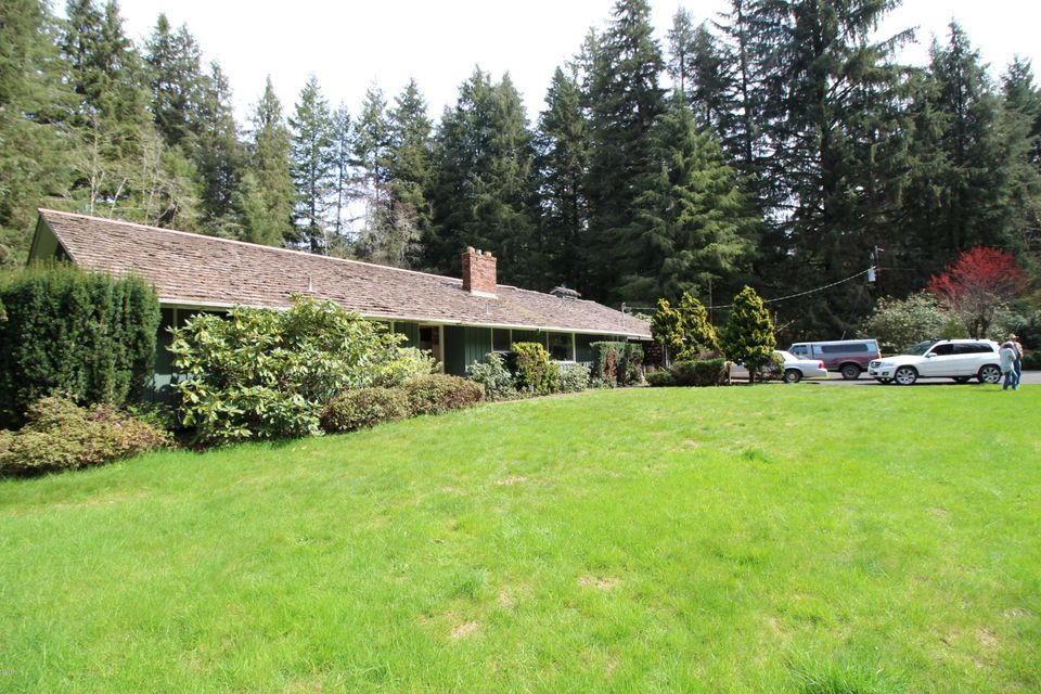 763 NE Old River Rd, Siletz, OR 97380 - Front of home
