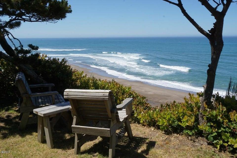 7325 Neptune Ave, Gleneden Beach, OR 97388 - Ocean Front View