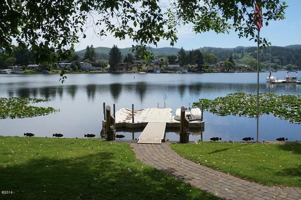 3550 NE West Devils Lake Rd., Lincoln City, OR 97367 - Dock