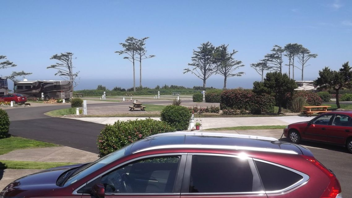 6225 N. Coast Hwy Lot 192, Newport, OR 97365 - Lot 192 Ocean view from side of lot 6-4-
