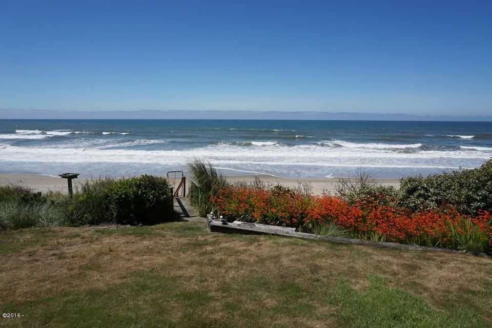3885 Lincoln Ave, Depoe Bay, OR 97341 - Direct Beach Access!