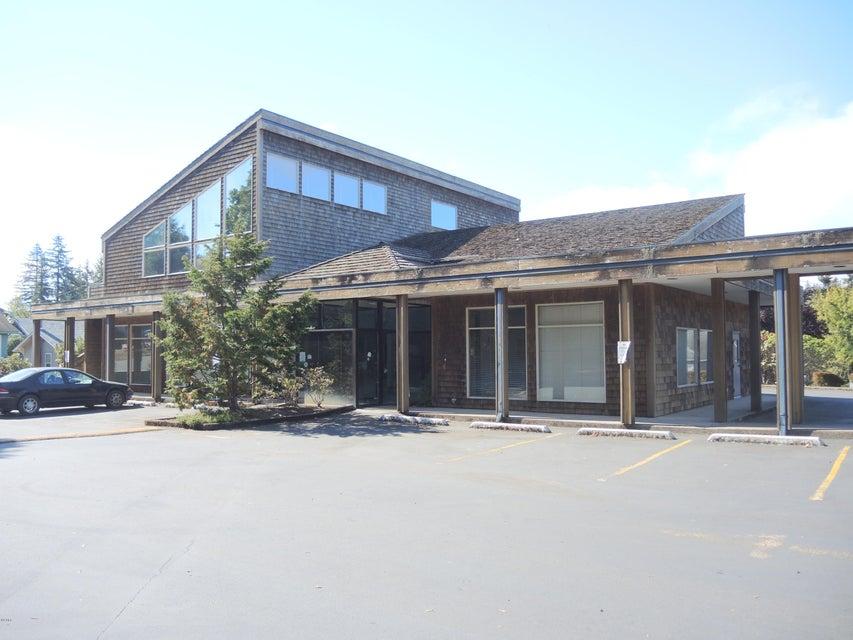 222 NE Us-20, Toledo, OR 97391 - parking lot side