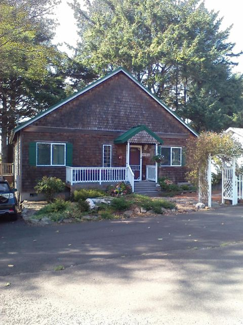 6935 Salal Ave, Gleneden Beach, OR 97388 - Sweet Cottage
