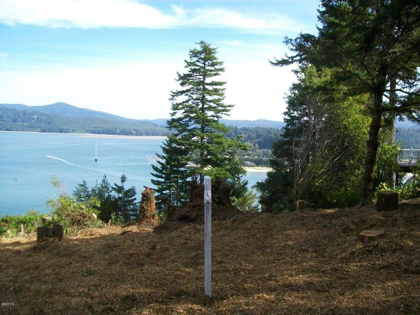 759 NW Highland Dr, Waldport, OR 97394 - from street