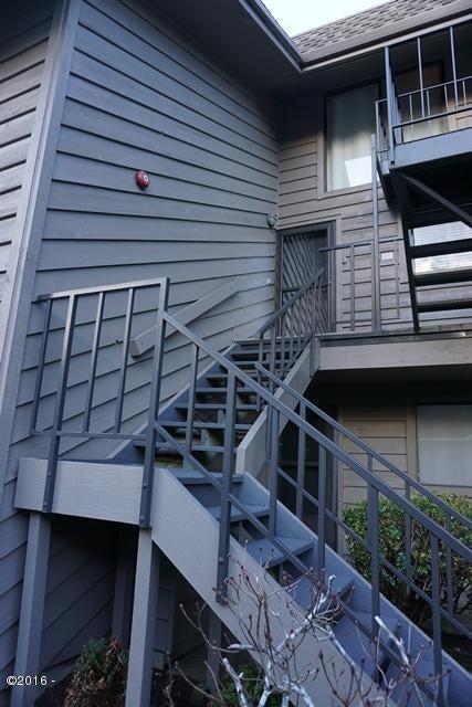 3500 NE West Devils Lake Rd, UNIT #18, Lincoln City, OR 97367 - Exterior