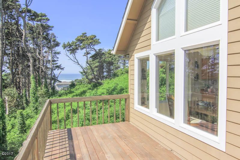 1739 NW 35th Place, Lincoln City, OR 97367 - Moody 1