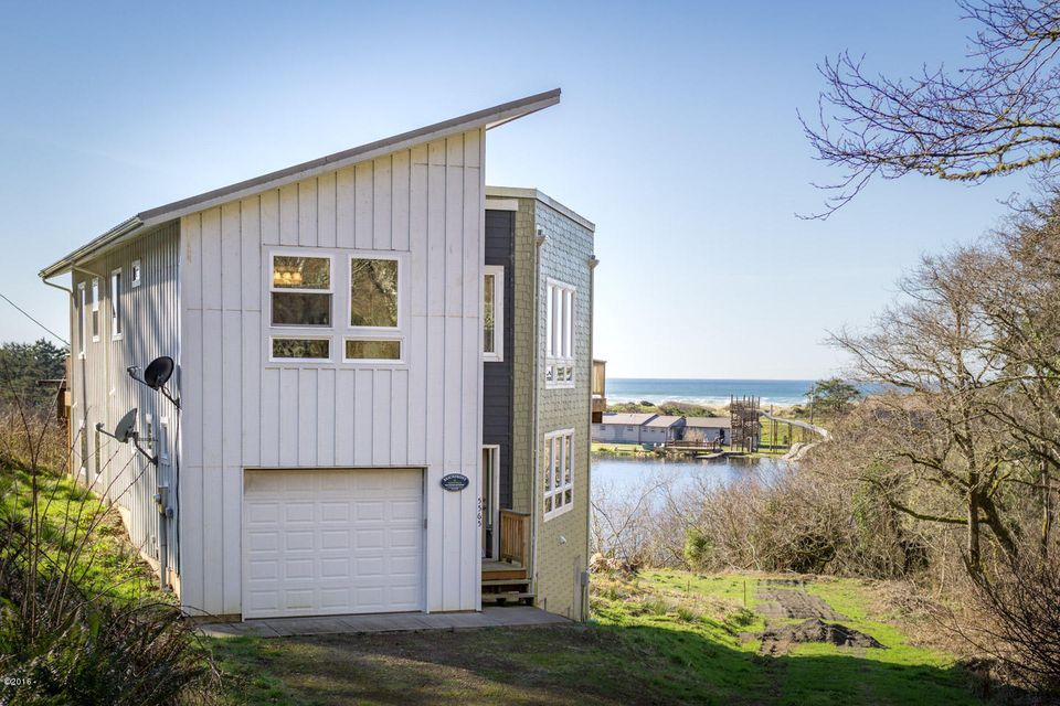 5565 Lake Rd, Neskowin, OR 97149 - Home with a view