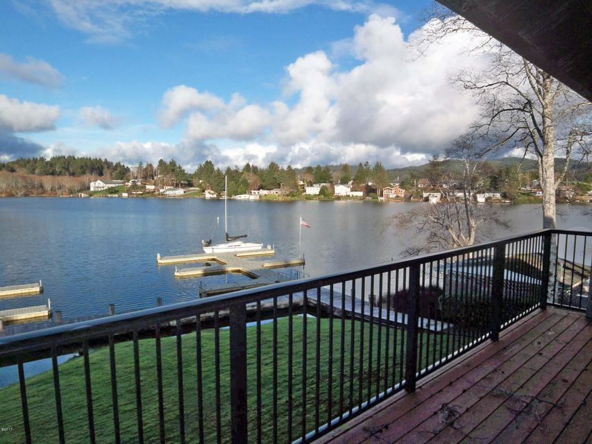 3500 NE West Devils Lake Rd, # 11, Lincoln City, OR 97367 - Lake view