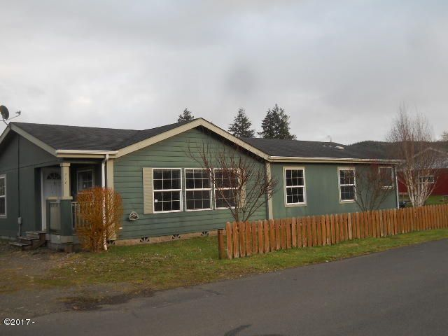 210 NW Grinstead St, Siletz, OR 97380 - Front