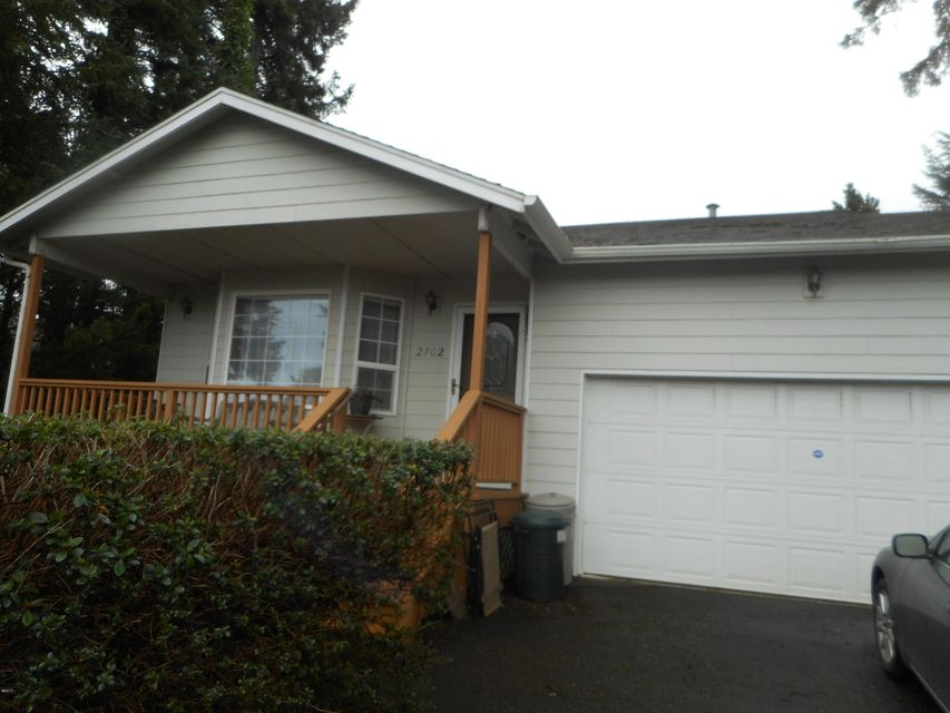 2702 NW Mast Ave, Lincoln City, OR 97367 - Front of House