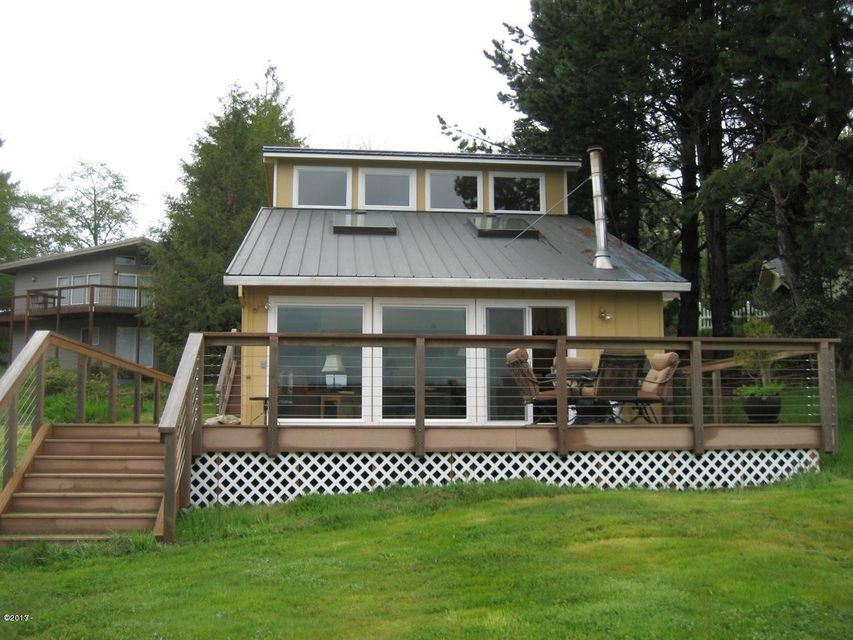 3598 NE West Devils Lake Rd, Lincoln City, OR 97367 - Exterior of home