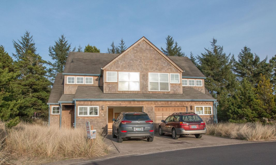 6045 Beachcomber Lane, Pacific City, OR 97135 - beach house front