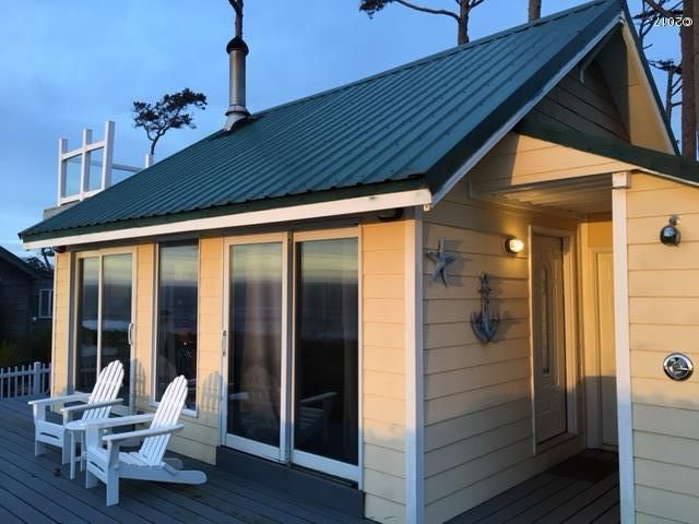 135 NW 77 Th CT, Newport, OR 97365 - Ocean front cottage