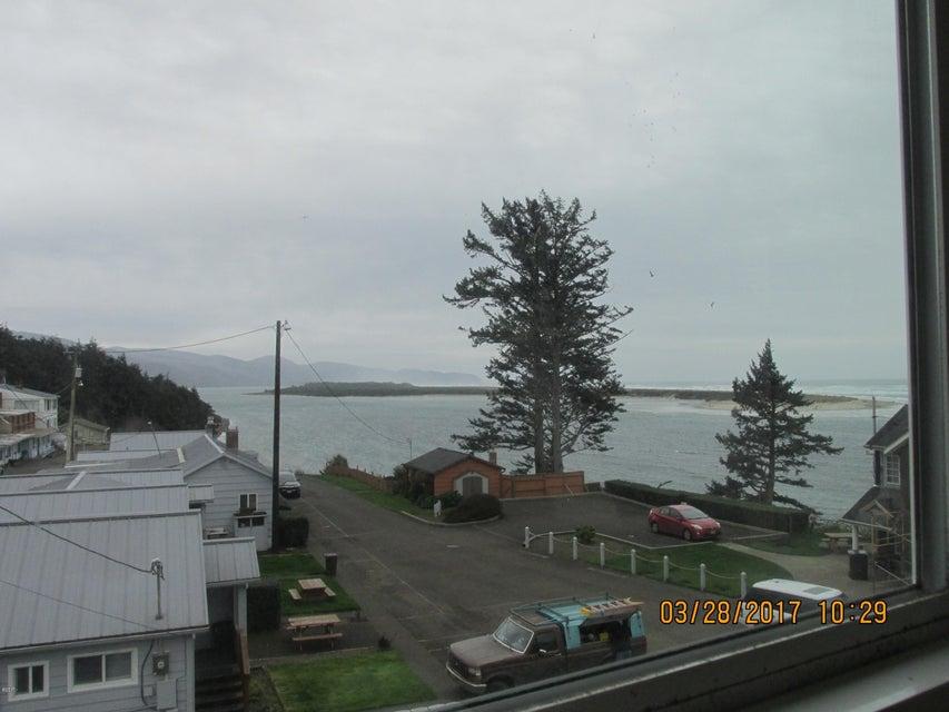 1020 2nd St, Tillamook, OR 97141 - View