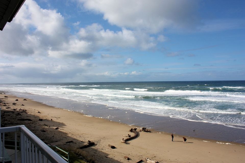 171 SW Hwy 101, 304, Lincoln City, OR 97367 - Deck Views