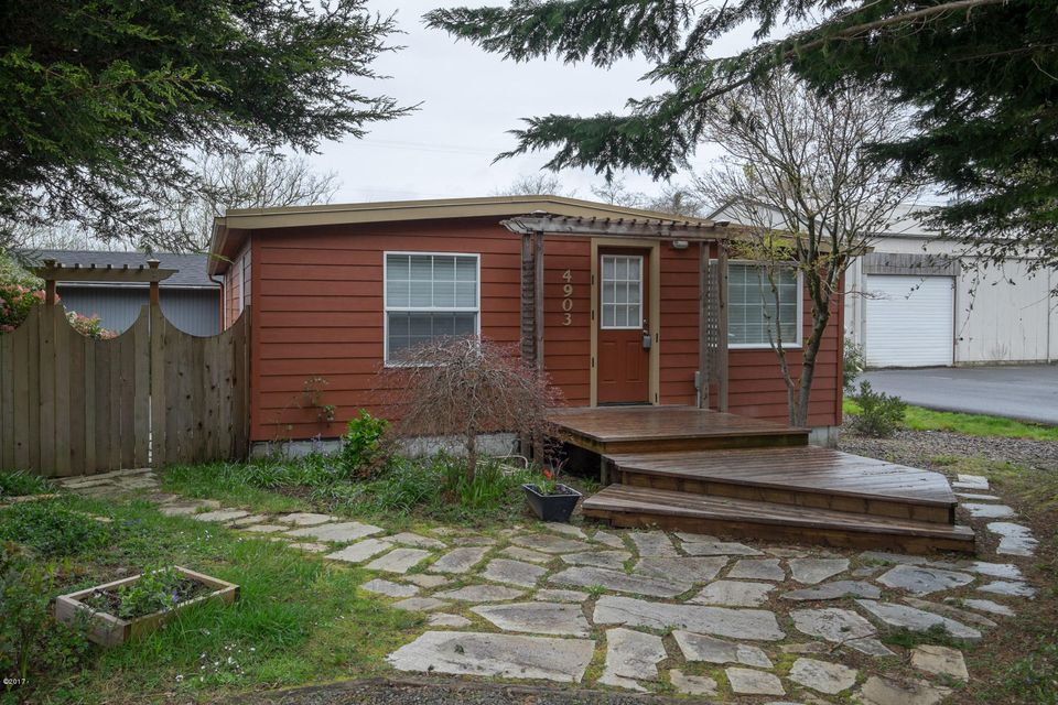 4903 SE Keel Ave, Lincoln City, OR 97367 - Exterior