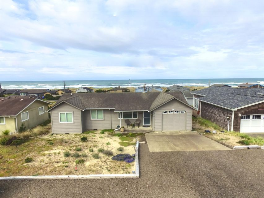 2214 NW Convoy Way, Waldport, OR 97394 - Front of House