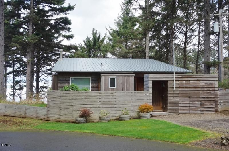 50007 S South Beach Point Road, Neskowin, OR 97149 - Walker 002 (800x527)
