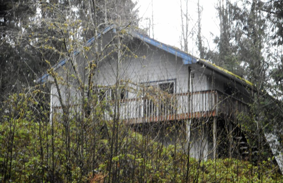 36585 Jenck Rd, Cloverdale, OR 97112 - Home on 5 Acres