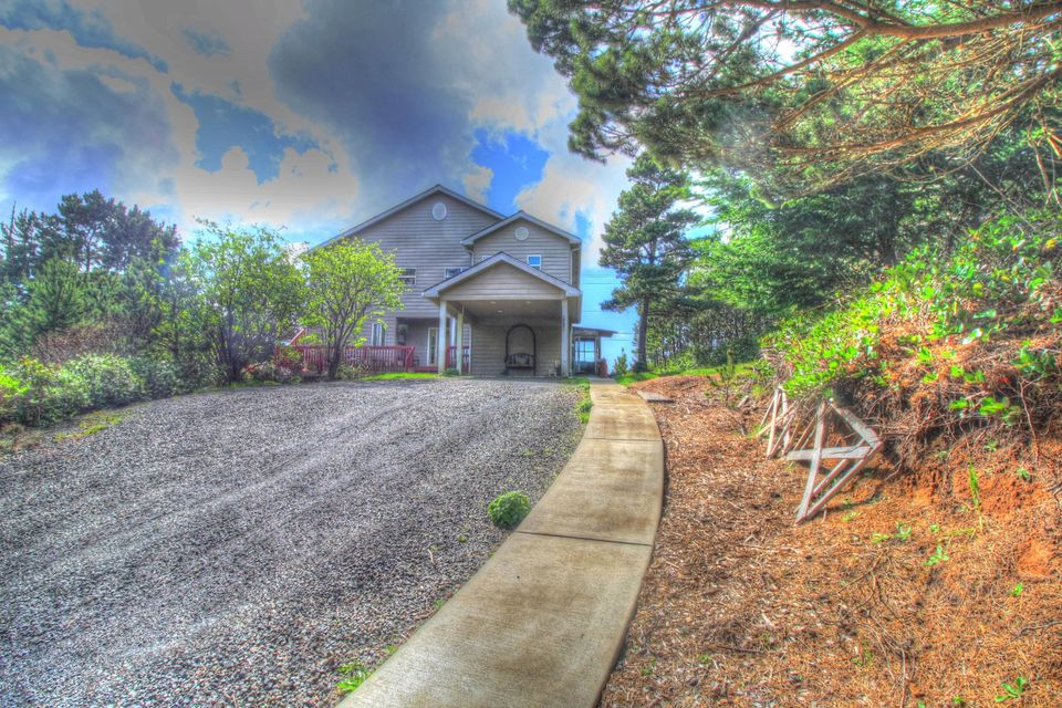 9068 NW Grouse Ct., Seal Rock, OR 97367 - East exterior