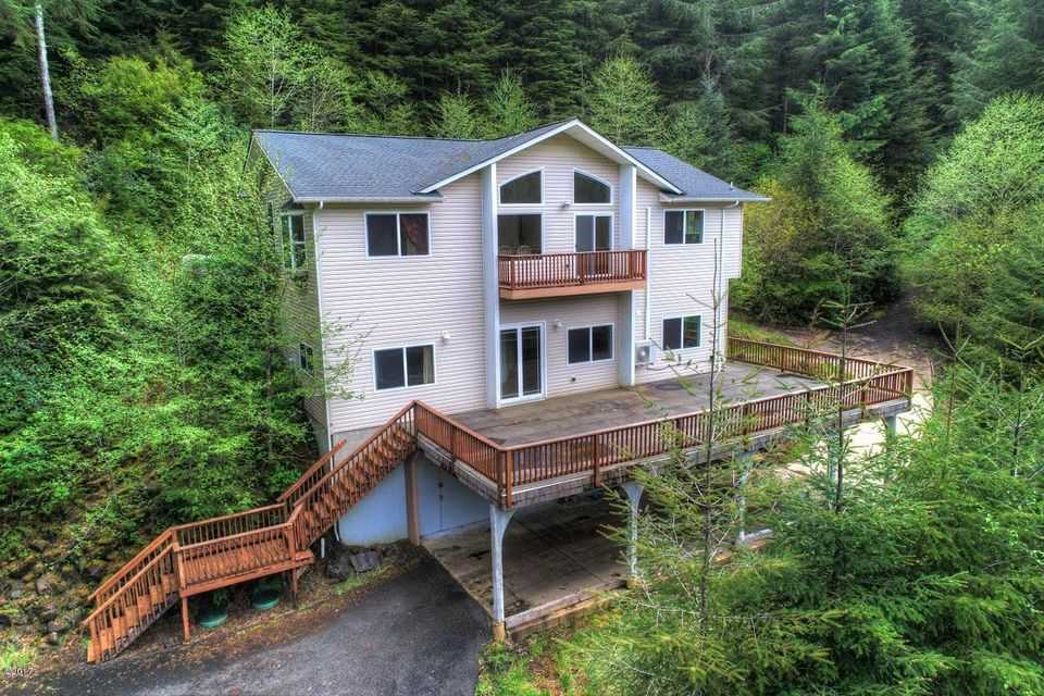 5620 E Alsea Hwy, Waldport, OR 97394 - Amazing views