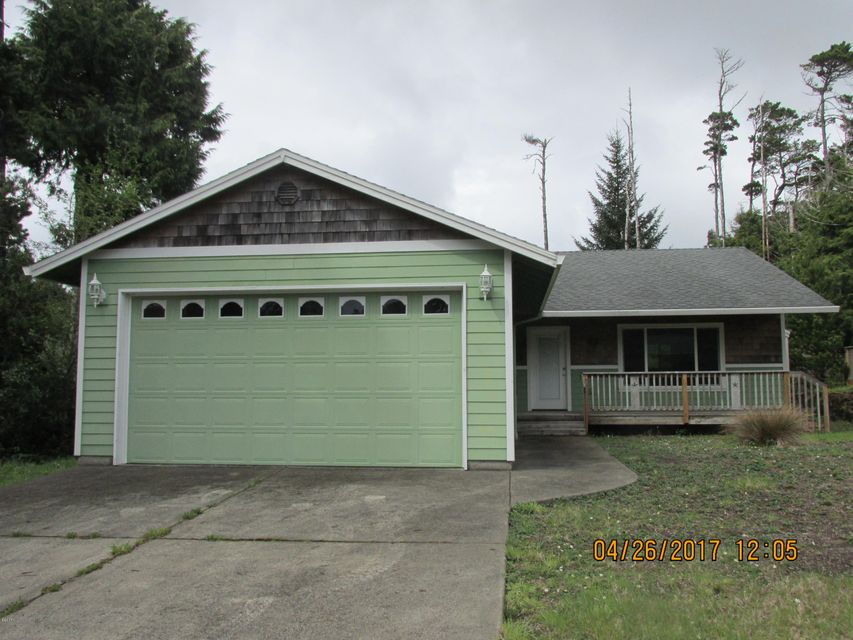 25 Pacific St, Depoe Bay, OR 97341 - Front of house