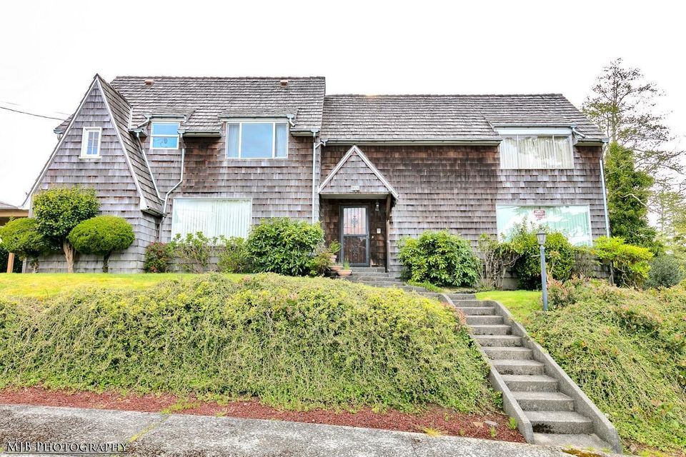1037 4th St, Astoria, OR 97103 - LP-~-4th-St-(1037)