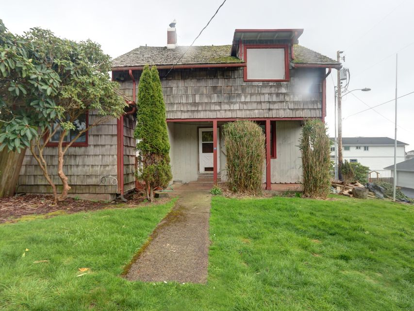 50 SE Cook Ave, Depoe Bay, OR 97341 - Front of house