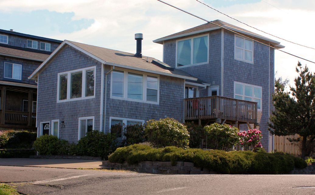 3158 SW Beach Ave., Lincoln City, OR 97367 - exteriora