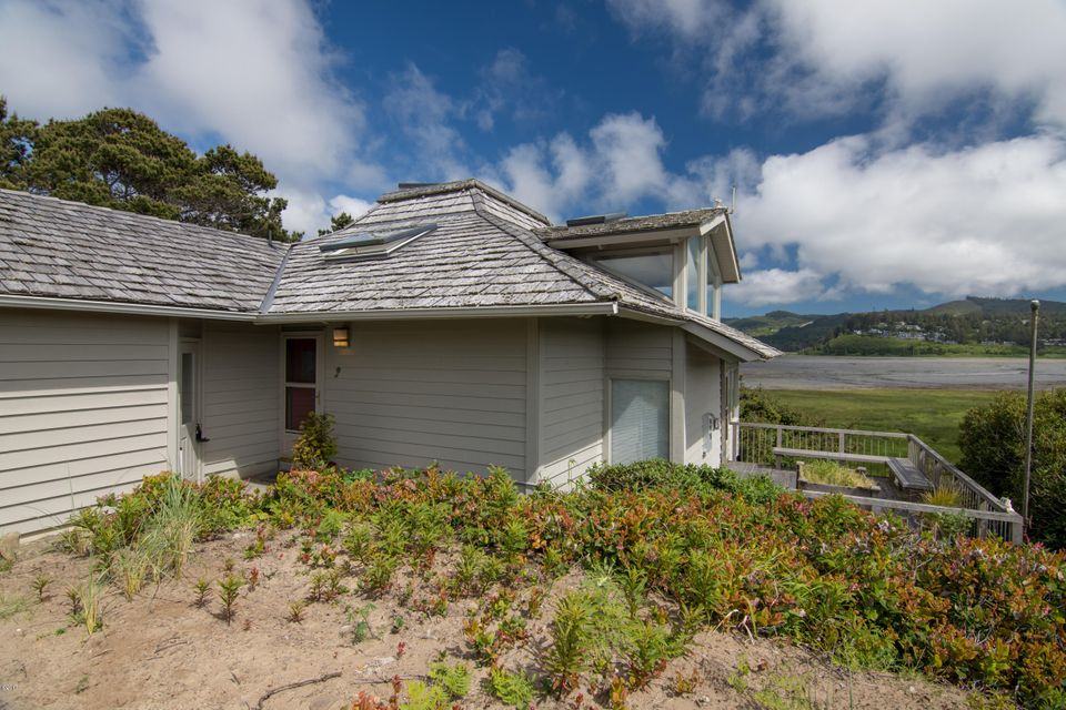 29 Spouting Whale Ln, Lincoln City, OR 97367 - Salishan Bay View