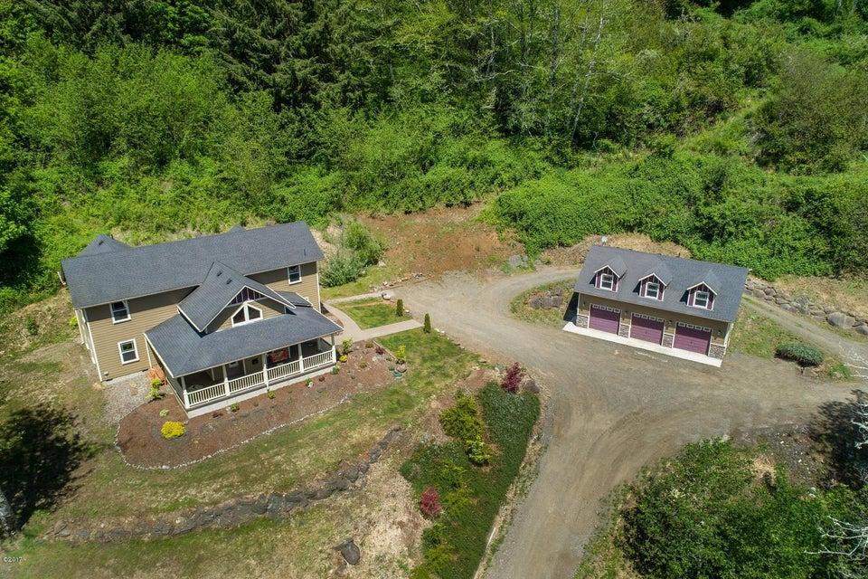 381 Maple Dr, Otis, OR 97368 - Craftsman Home