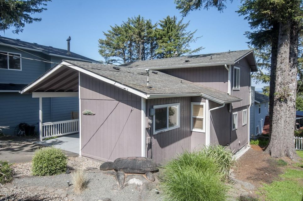 3215 NW Oar Dr., Lincoln City, OR 97367 - Curbside