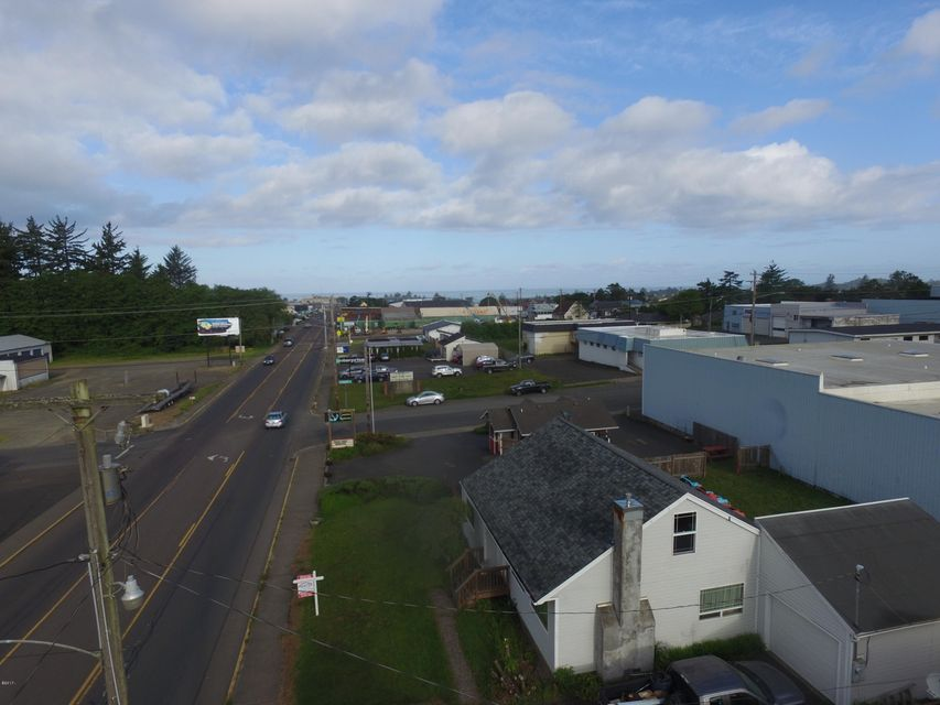 617 E Olive St, Newport, OR 97365 - Commercial area on Why 20