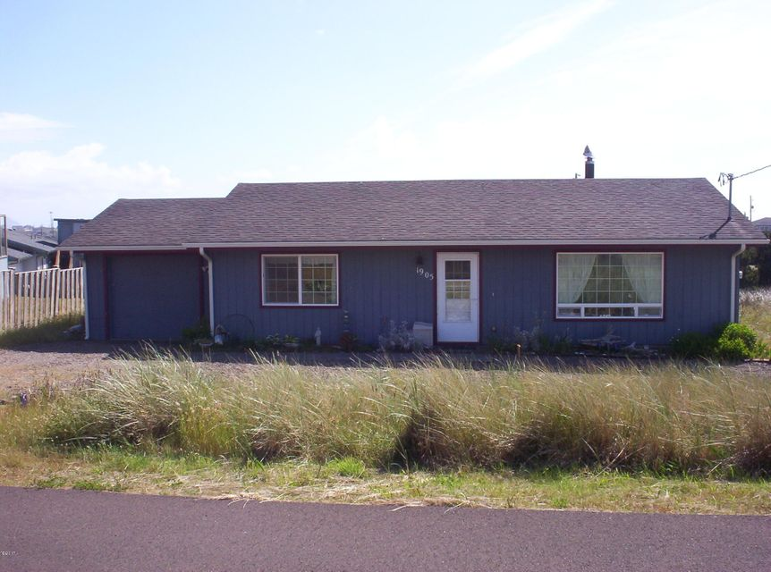 1905 NW Cutter St, Waldport, OR 97394 - Front of Home