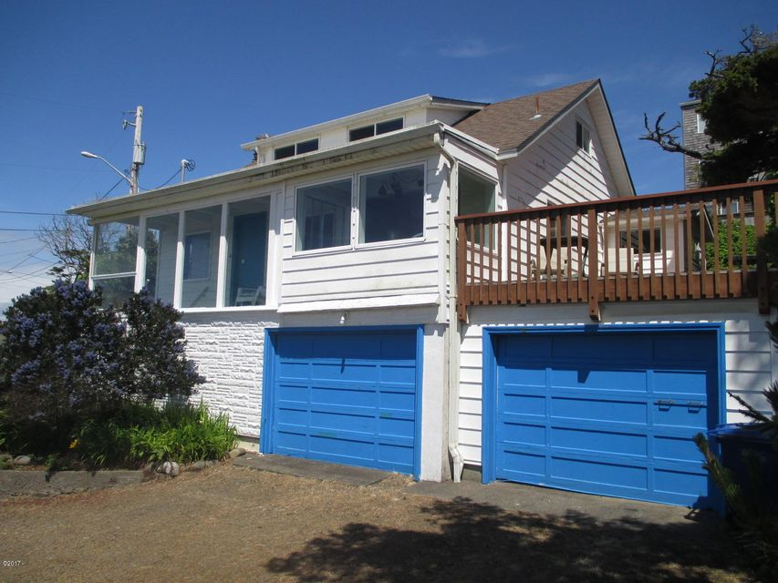 3652 SW Beach Ave, Lincoln City, OR 97367 - Front