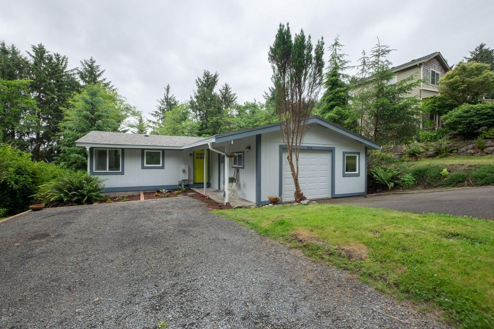 2646 NE 36th Dr, Lincoln City, OR 97367 - Exterior