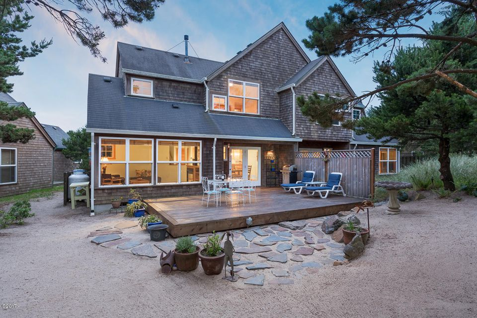 5875 Barefoot Lane, Pacific City, OR 97135 - Exterior back