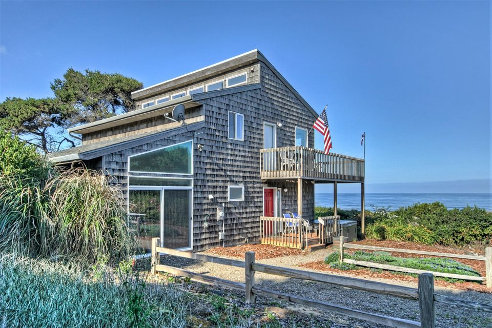 9920 SOUTH Coast Highway, South Beach, OR 97366 - House