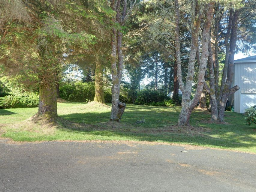 TAX LOT 8 NW Estate Place, Seal Rock, OR 97376 - Level Lot