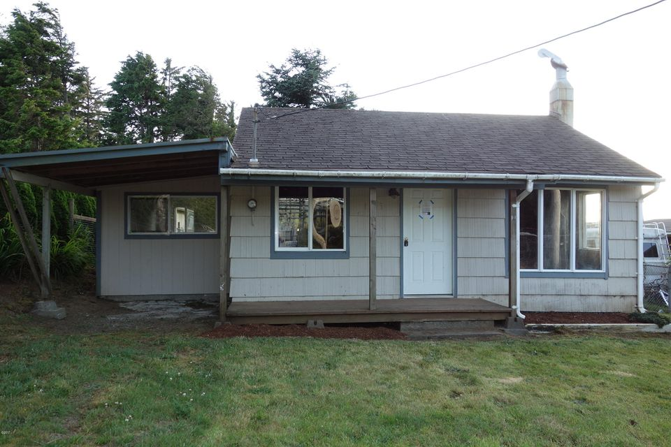 1315 SE Oar Ave, Lincoln City, OR 97367 - Front of House