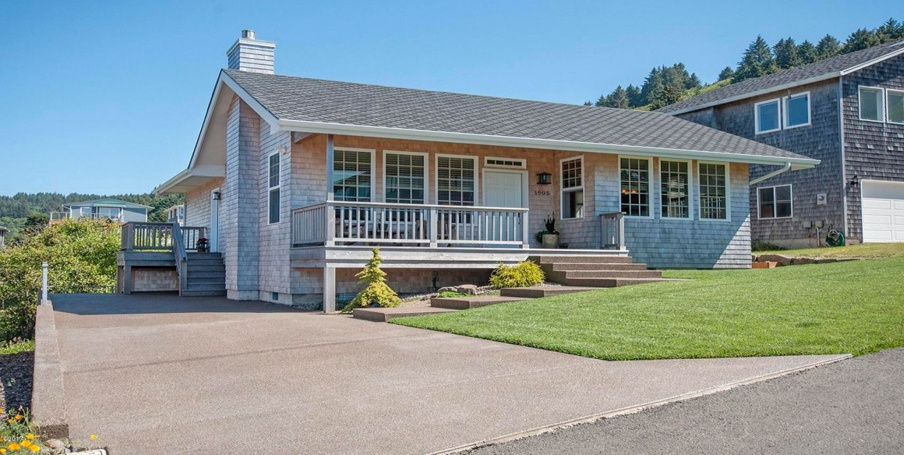 1905 NE 68th St., Lincoln City, OR 97367 - Exterior