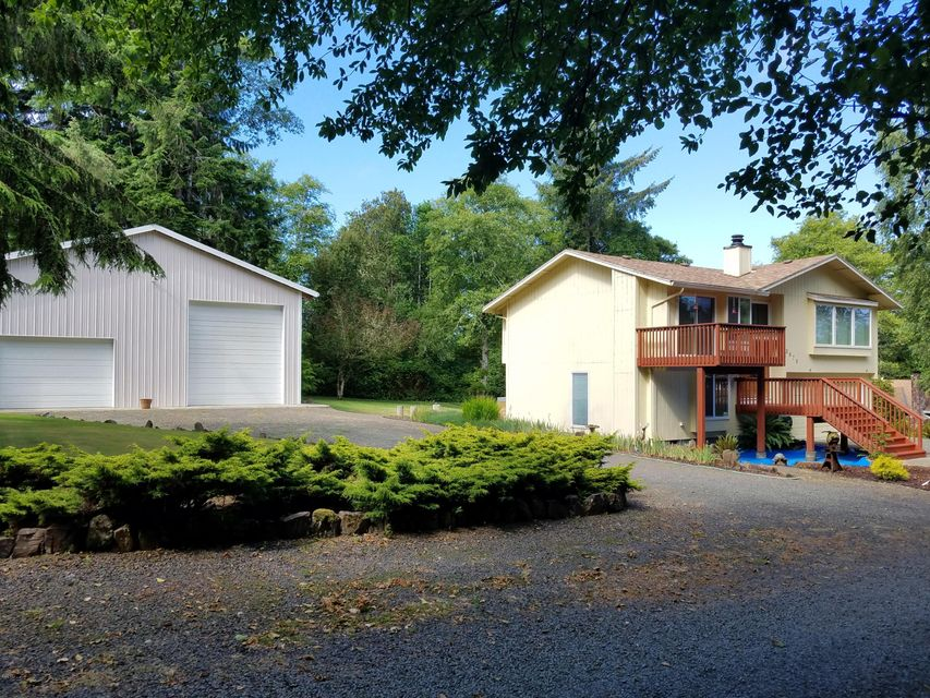 3670 NE 10th St, Lincoln City, OR 97367 - Home and Shop