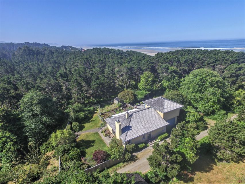 5554 NW Pacific Coast Hwy, Seal Rock, OR 97376 - House