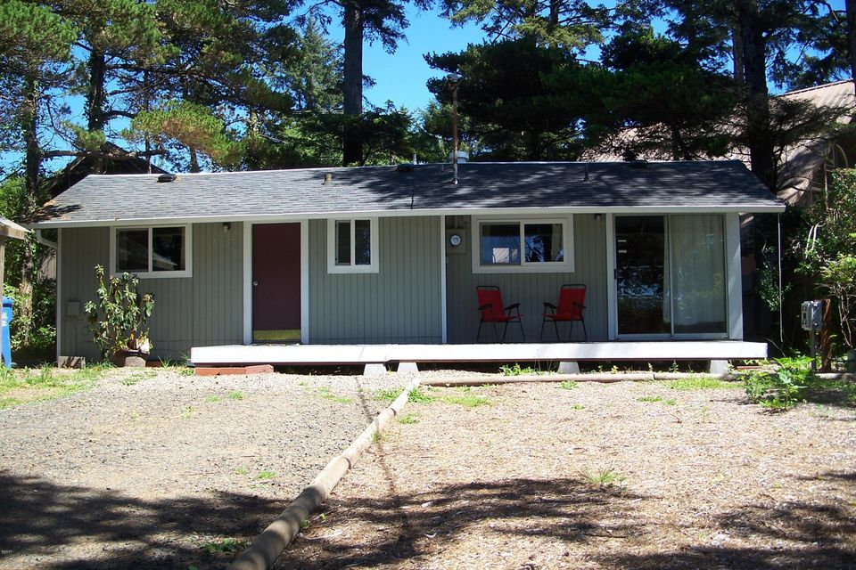 8261 NW Coast Rd, Seal Rock, OR 97376 - Front of home