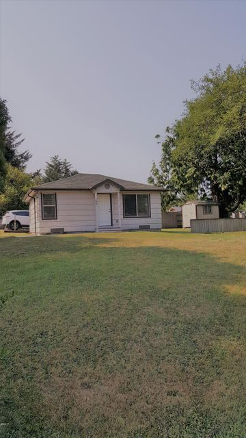 196 Ne 57th Street, Newport, OR 97365 - House w/Shed