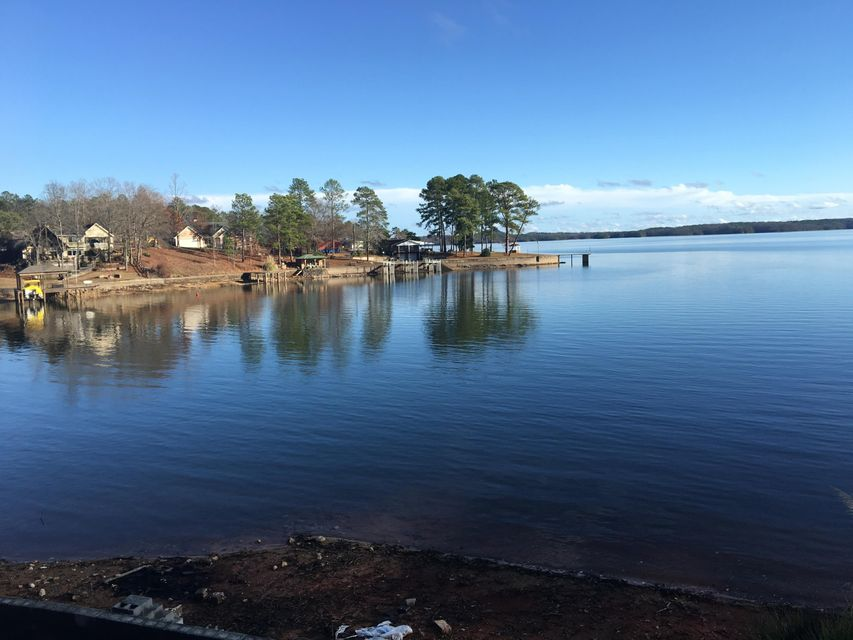 409 Bay Pine Island Road, Jacksons Gap, AL 36861