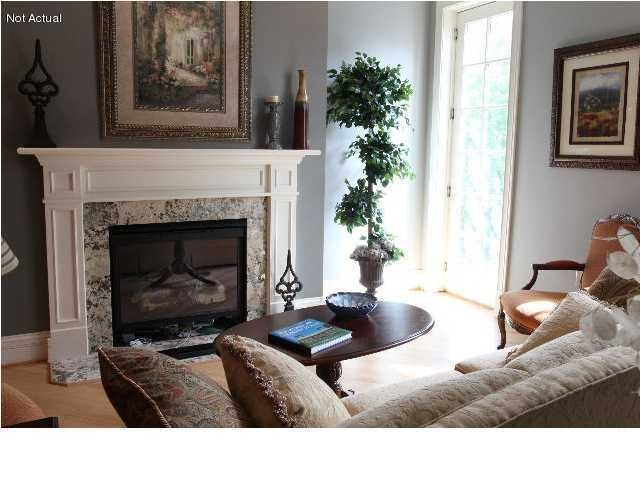 Additional photo for property listing at 966 Cherokee Road  Louisville, Kentucky 40204 United States