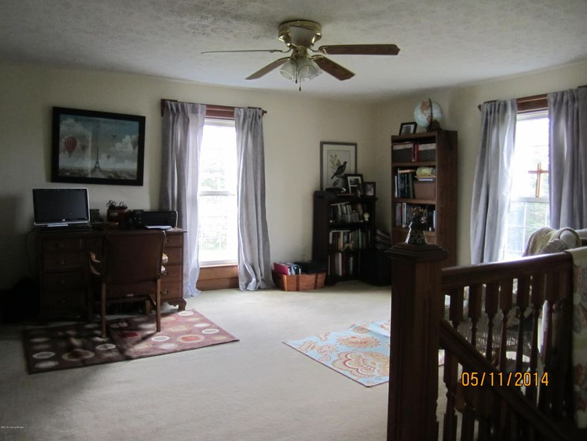 Additional photo for property listing at 206 PECK Pike  Milton, Kentucky 40045 United States