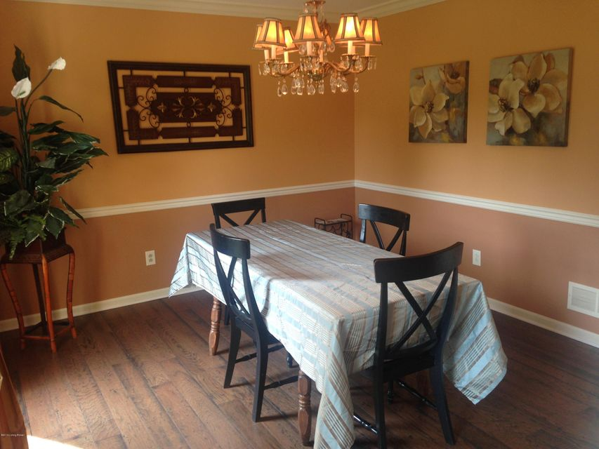 Additional photo for property listing at 9015 Linn Station Road 9015 Linn Station Road Louisville, Kentucky 40222 United States