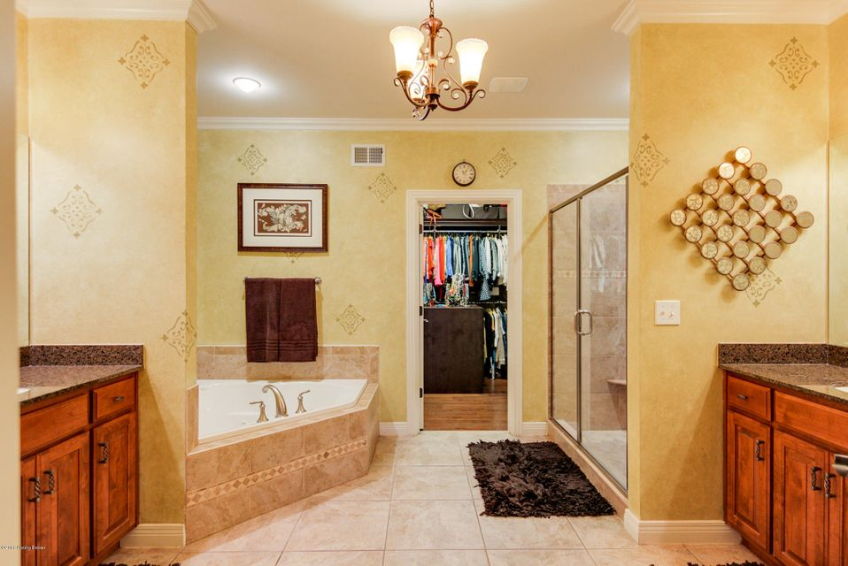 Additional photo for property listing at 200 Chadwick Glen Place  Louisville, Kentucky 40245 United States